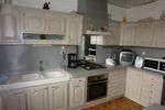 cuisine rénovée en couleur blanc