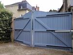 portail rénové bleu